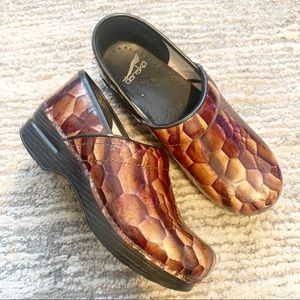 Dansko Tigers Eye Patent Leather Clogs 8